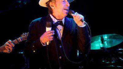 80 años de Bob Dylan, el influyente  músico y poeta de generaciones