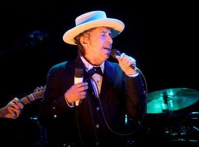 Bob Dylan cumple 80 años como leyenda viva de la música folk rock