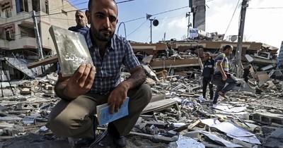 La Nación / El templo de los libros, reducido a escombros en Gaza
