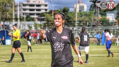 Un festejo de chupete en el fútbol femenino