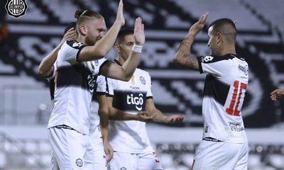 Olimpia golea a Sportivo Luqueño y se inspira para la Copa Libertadores