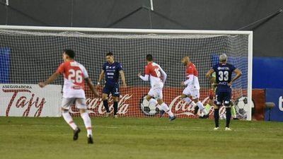 Nacional cae ante River Plate y Libertad es campeón