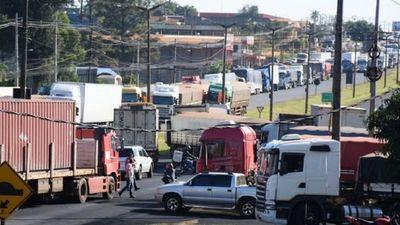 Sindicato de camioneros afirman que paro es por tiempo indefinido
