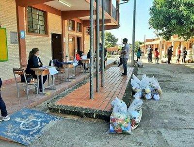 MEC inicia tercer operativo de entrega de kits alimenticios a instituciones educativas de Asunción