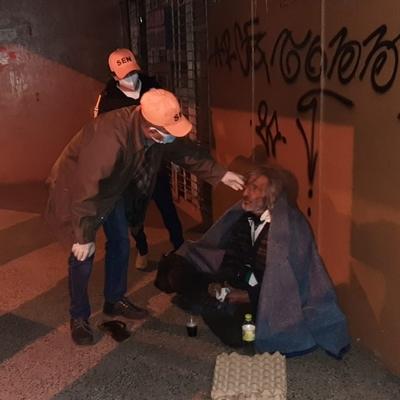 En la fría noche y madrugada, la SEN asistió a 36 personas en situación de calle