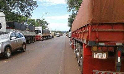 Camioneros paran desde hoy por suba de combustible