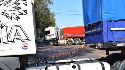 Movilización de camioneros se replica en varios puntos del país