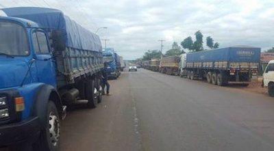 Paro de camioneros podría afectar la economía, dice exministro de Hacienda