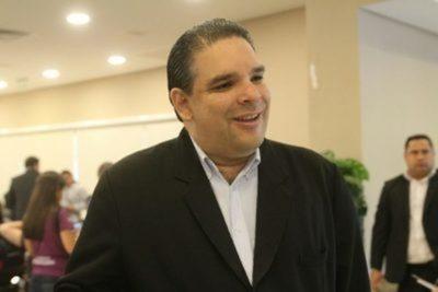 López Arce en desacuerdo con pedido de médicos de implementar cuarentena total