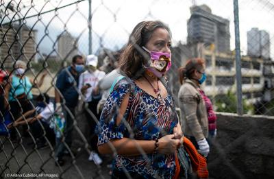 Médicos de Venezuela exigen ayuda internacional para lograr inmunización anticovid