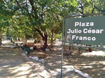 """La Plaza """"Julio César Franco"""" está en deplorables condiciones"""