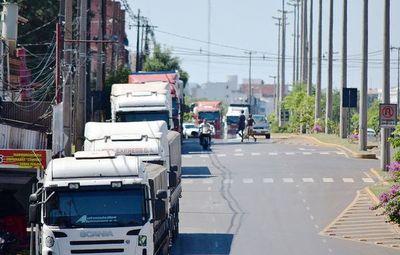 Camioneros levantan paro tras acuerdo con el gobierno
