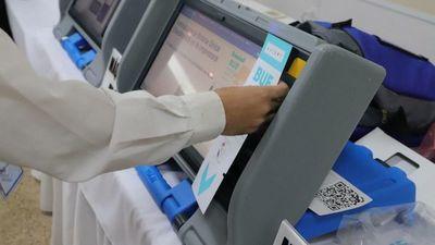 Máquinas de voto se preparan para las internas partidarias