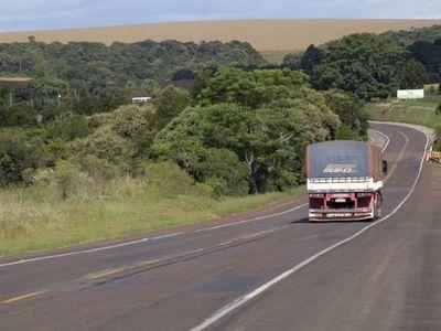 Camioneros consiguen mejor precio para el flete y reducción de la retención del IVA