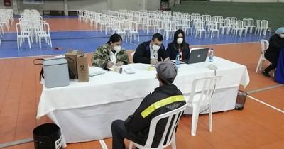 La Nación / Preocupa baja asistencia en vacunatorio de la Secretaría de Deportes