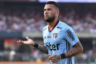 Dani Alves no estará ante Paraguay