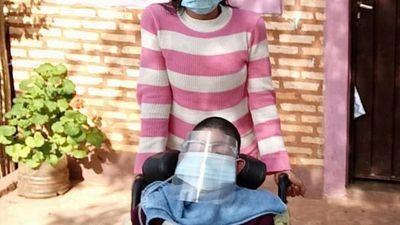 Roban balón de oxígeno a niño con parálisis