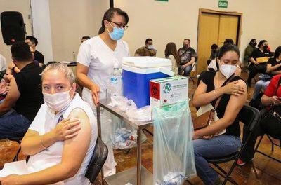 """La china CanSino estudia """"probable refuerzo"""" de su vacuna monodosis en México"""