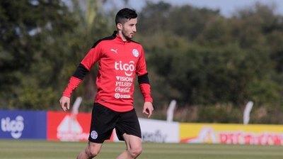 Con Villasanti y Sánchez como novedades, la Albirroja sigue su preparación