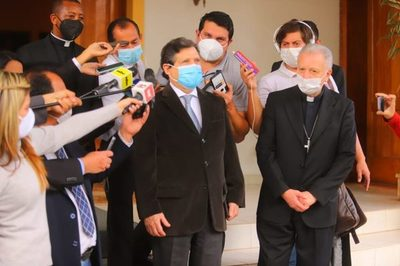 """Acevedo califica de """"esperanzadora"""" reunión con representantes de la comunidad internacional"""
