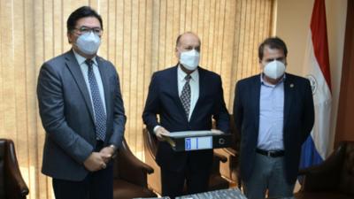EBY entrega más documentos a Contraloría