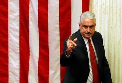 Senador teme una nueva crisis en Puerto Rico por descontento en el sector eléctrico