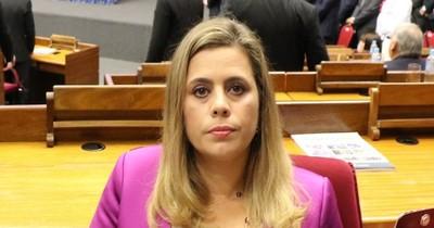 La Nación / La diputada Kattya González dio positivo al COVID-19