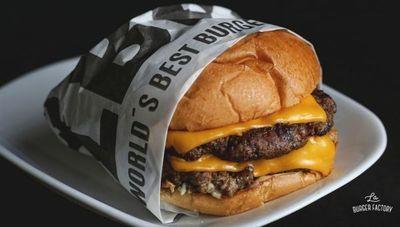 La Burger Factory cuenta con la mayor variedad de hamburguesas del país (hasta opciones para mascotas)