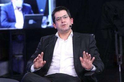 "Crónica / Mario Abdo persigue a ""Nenecho"" ndajeko"