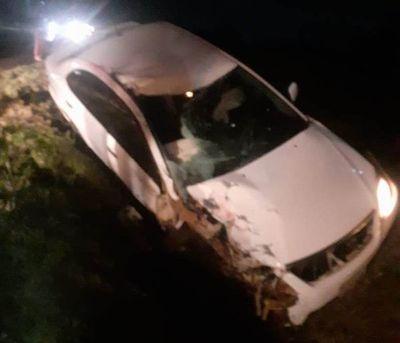 Cuatro miembros de una familia mueren tras colisión de moto con automóvil