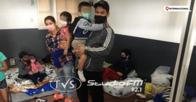 FAMILIAS VARADAS SE NEGARON A INGRESAR A SU PAÍS A PESAR DE AUTORIZACIÓN DE MIGRACIONES