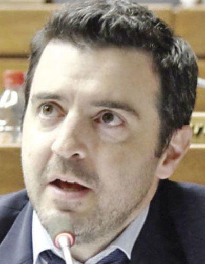 Ley de identidad electrónica: diputado niega estar operando a favor del sector bancario