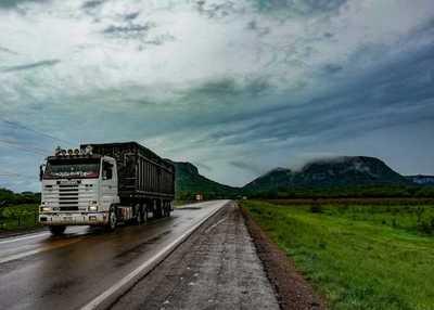 SET reduce del 70% al 50% la retención del IVA a transportistas y camioneros