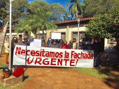 Tras protestas, Prieto prometió reanudar las obras en el mercado zonal del km 7