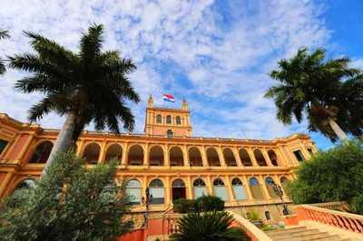 Ministros se reúnen en Palacio para abordar la situación epidemiológica del país