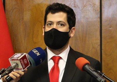 "Diputado denuncia presión a funcionarios que apoyan candidatura de ""Nenecho"""