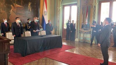 Fernando Saguier juró oficialmente como ministro del Mitic