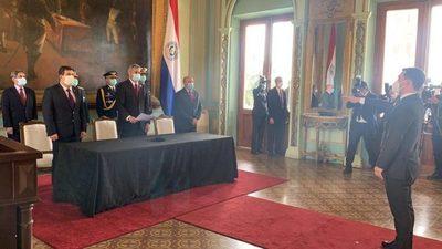 Fernando Saguier juró como ministro del Mitic