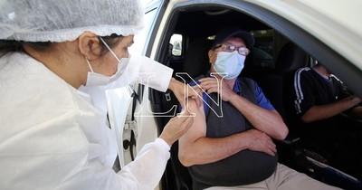 La Nación / El viernes se analizará si se baja el rango de edad de vacunación contra el COVID-19