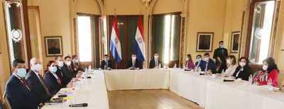 Ministros se reúnen en Palacio de Gobierno para abordar la situación epidemiológica del país