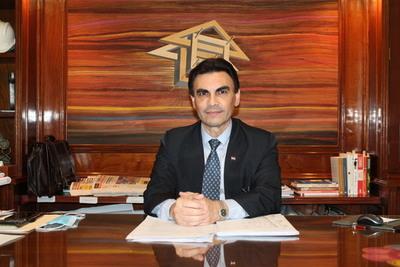 """Carlos Pereira: """"Es un momento estratégico para desdoblar el Ministerio de la Vivienda y crear un banco hipotecario"""""""