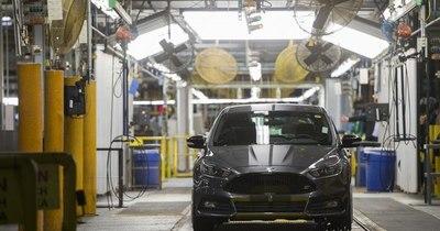La Nación / Ford prevé que el 40% de sus ventas en 2030 serán vehículos eléctricos