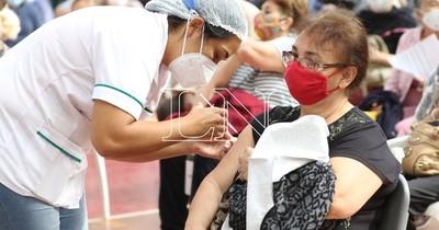 La Nación / Aún quedan más de 105.000 dosis de la vacuna anti-COVID para primera aplicación