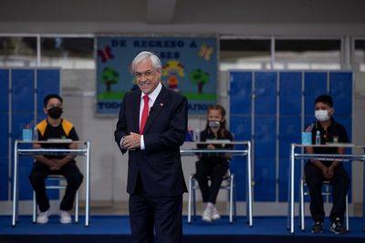 Piñera anuncia ayudas a familias y pymes por casi 11.000 millones de dólares