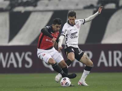 River Plate cae por goleada y se despide de la Sudamericana