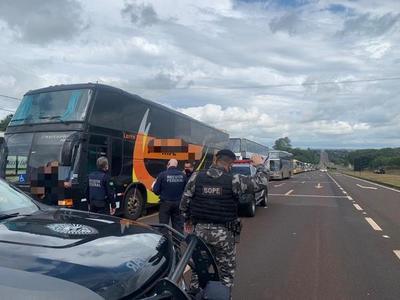 Receita Federal refuerza controles e incauta cinco buses en dos días