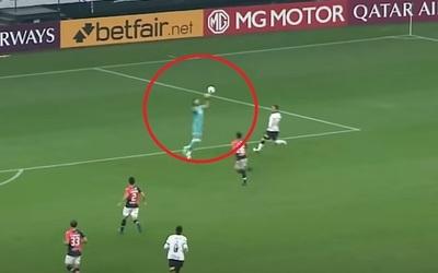 Corinthians sella goleada con blooper incluido
