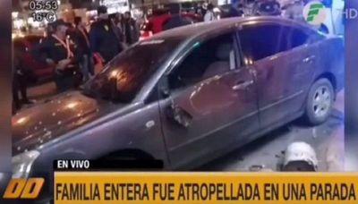 FAMILIA FUE ATROPELLADA MIENTRAS ESPERABA EN UNA PARADA DE BUSES