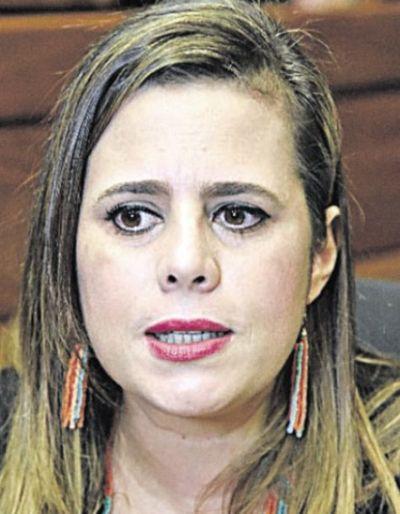 """Kattya: argumentos de Itaipú para evitar auditoría son """"falaces"""" y no tienen correspondencia con la Constitución"""