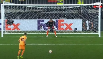Rulli hizo ganar al Villarreal con el primer penal de su carrera